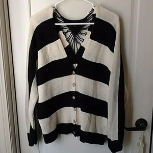 Mine Cream black sweater size large Crochet back